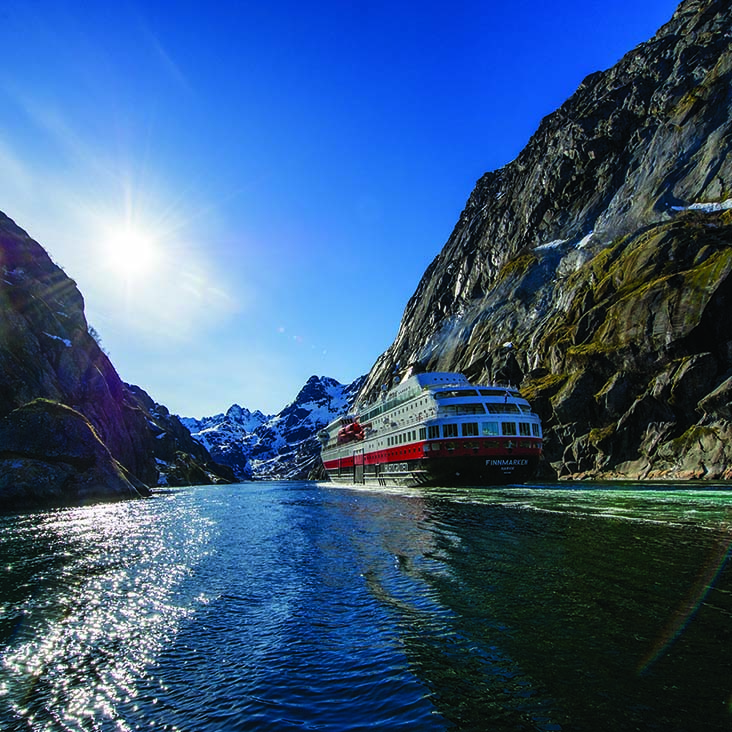 What to Expect When Booking a Cruise